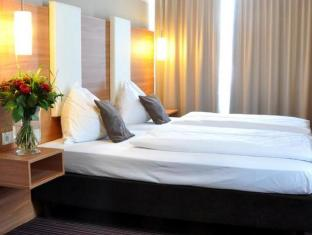 /sl-si/hotel-cristal/hotel/munich-de.html?asq=vrkGgIUsL%2bbahMd1T3QaFc8vtOD6pz9C2Mlrix6aGww%3d