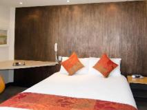 Arts Hotel: guest room