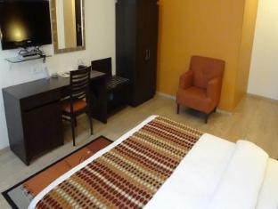 Chateau Windsor Hotel Mumbai - Guest Room