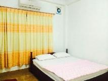 Khamphouphet Hotel: guest room