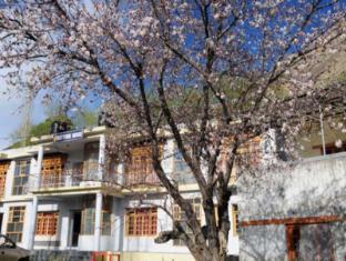Reeyork House