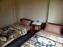 Phone Savanh Guesthouse: guest room