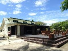 Rendezvous Malolo Backpackers | Mamanuca Islands Fiji Hotels Cheap Rates