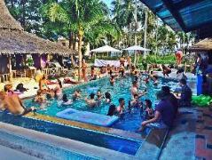 Hard Road Cafe Hostel | Thailand Cheap Hotels