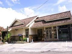 Vee Hotel Indonesia