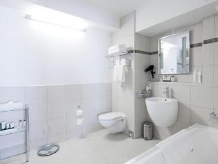 Jet Park Airport Hotel Auckland - Bathroom