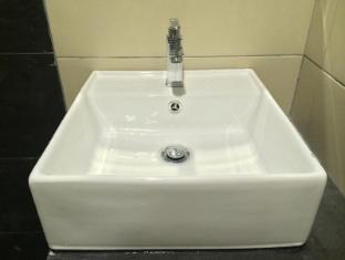City View Hotel Sepang Kuala Lumpur - Bathroom