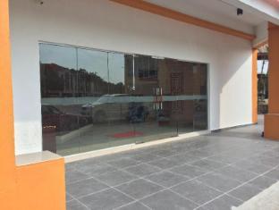 City View Hotel Sepang Kuala Lumpur - Hotel Entrance