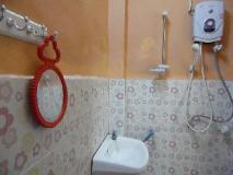 Vannaketh Guesthouse: bathroom