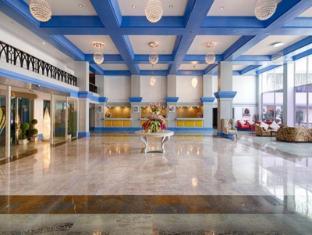 Palms Hotel and Convention Centre Mumbai - Lobby