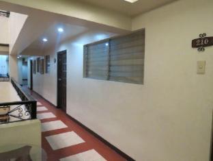 El Rico Suites Hotel Manila - Hallway