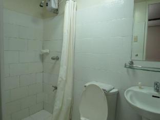 El Rico Suites Hotel Manila - Bathroom