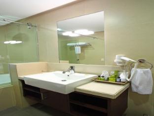 Parque Espana Residence Hotel Manila - Bathroom