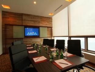 The Bellevue Manila Manila - Dining Area