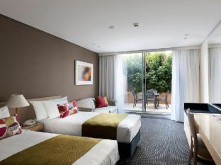 Coogee Sands Hotel Sydney - Deluxe Courtyard Studio
