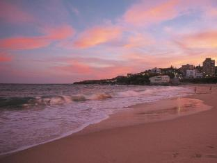 Coogee Sands Hotel Sydney - Surroundings - Coogee Beach