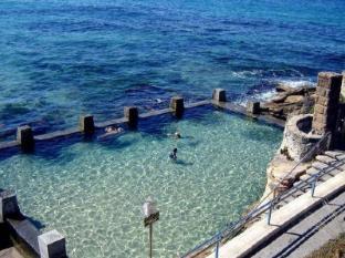 Coogee Sands Hotel Sydney - Surroundings - Rock pools