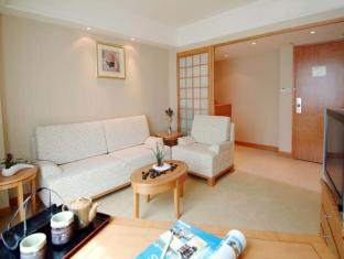 The Wharney Guang Dong Hotel Hong Kong - Junior Suite-Sitting Room