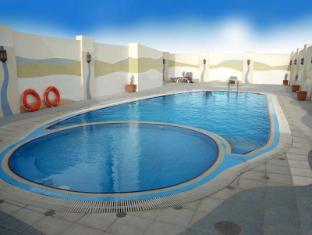 Al Jawhara Gardens Hotel Dubai - Swimming Pool