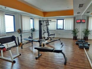 Al Jawhara Gardens Hotel Dubai - Fitness Room