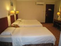 East Asia Hotel: guest room