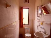Saisomzon Guesthouse: bathroom