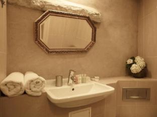 CRU Hotel Tallinn - Bathroom