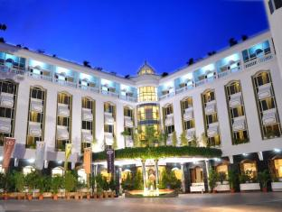 /hotel-sandesh-the-prince/hotel/mysore-in.html?asq=jGXBHFvRg5Z51Emf%2fbXG4w%3d%3d