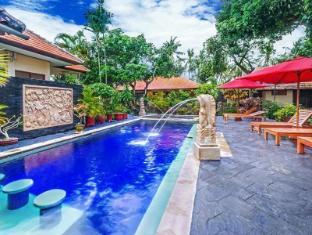 Yulia Beach Inn Hotel Bali - Viesnīcas ārpuse