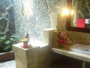 โรงแรมแรมบูแทน โลวินา บาหลี - ห้องน้ำ