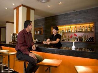 Novotel Batam Hotel Batam Island - Restaurant