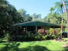 Australia Hotel Booking | Riverside Holiday House