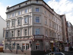 /ro-ro/hotel-garni-djaran/hotel/frankfurt-am-main-de.html?asq=m%2fbyhfkMbKpCH%2fFCE136qZWzIDIR2cskxzUSARV4T5brUjjvjlV6yOLaRFlt%2b9eh