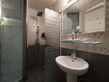 Benhur Hotel: bathroom
