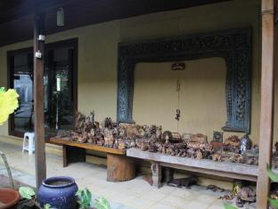 Gazebo Beach Hotel Bali - Shops