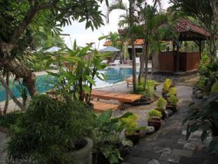 Gazebo Beach Hotel Bali - Swimming Pool