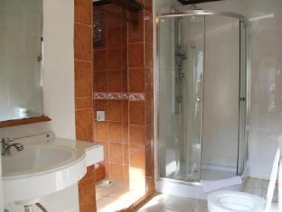 Gazebo Beach Hotel Bali - Bathroom