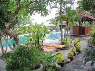 Gazebo Beach Hotel Bali - Garden