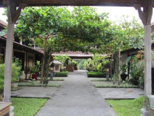 Gazebo Beach Hotel Bali - Entrance