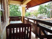Golden Parasol Luangprabnag Hotel: balcony/terrace