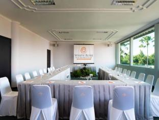 White Rose Kuta Resort - Villas & Spa Bali - Kenanga Meeting Room