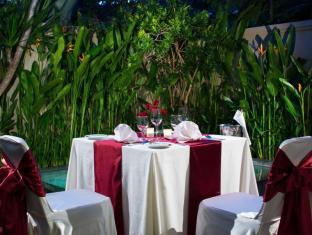 White Rose Kuta Resort - Villas & Spa Bali - Romantic Dinner
