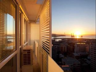 The Quadrant Hotel & Suites Auckland - Balcony/Terrace
