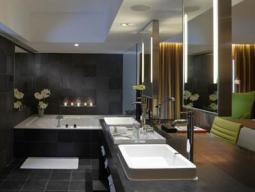 Spa Suite with 1 King Bed