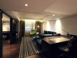 Mira Suite 70 (1 King Bed)