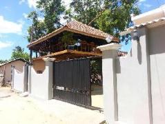 Pearl Resort Hotel | Sri Lanka Budget Hotels