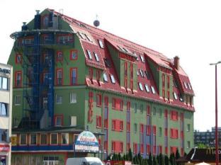 โรงแรมโพลัส
