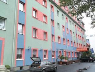 Polus Hotel Budapest - Exterior