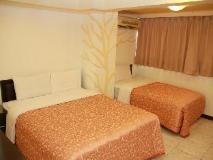 Ti Hwa Hotel: suite room