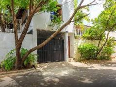 Colombo 7 - A Charming White Room Sri Lanka